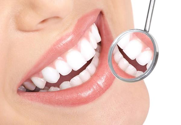 Kết quả hình ảnh cho Does porcelain crowding cause tooth